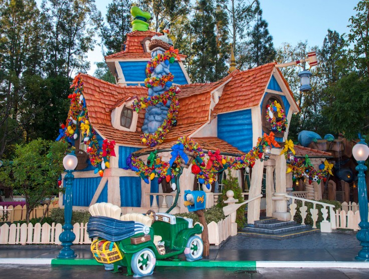 Disney Holidays, holidays, Christmas, Goofy, Goofy's House