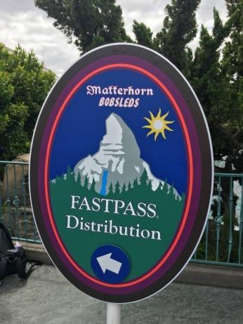 Disneyland-Maxpass-Matterhorn-Fastpass-.jpg