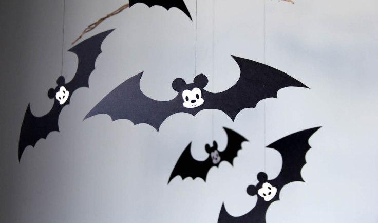 Disney-Family-Mickey-Bats-Halloween-Elise-Apffel-1.jpg