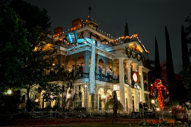Haunted-Mansion-Holiday.jpg